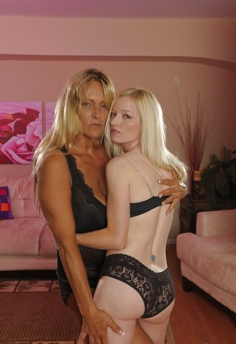 Mature Lesbians Porn