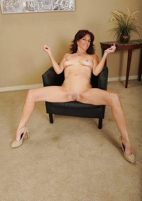 Mature High Heels Porn