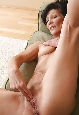 Shaved Mature Pussy Porn