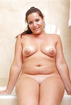 Mature in Bath Porn