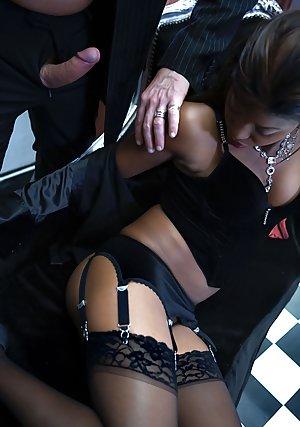 Mature CFNM Porn