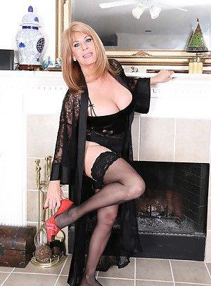 Mature in Stockings Porn